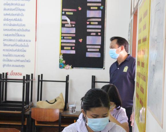 ดร.สุรชาติ มานิตย์ ได้มอบหมายให้ นางสมพร ฤทธาภรณ์ รองผอ.สพม.18 ก